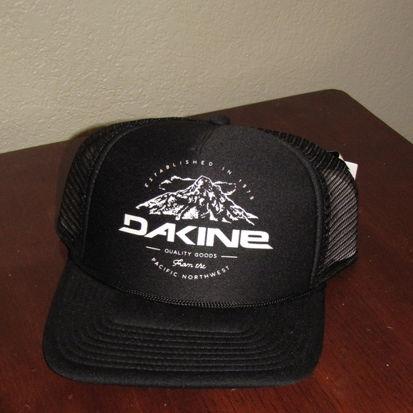 NWT Dakine MT Hood Trucker Hat Men Women or Kids acc291be8a0